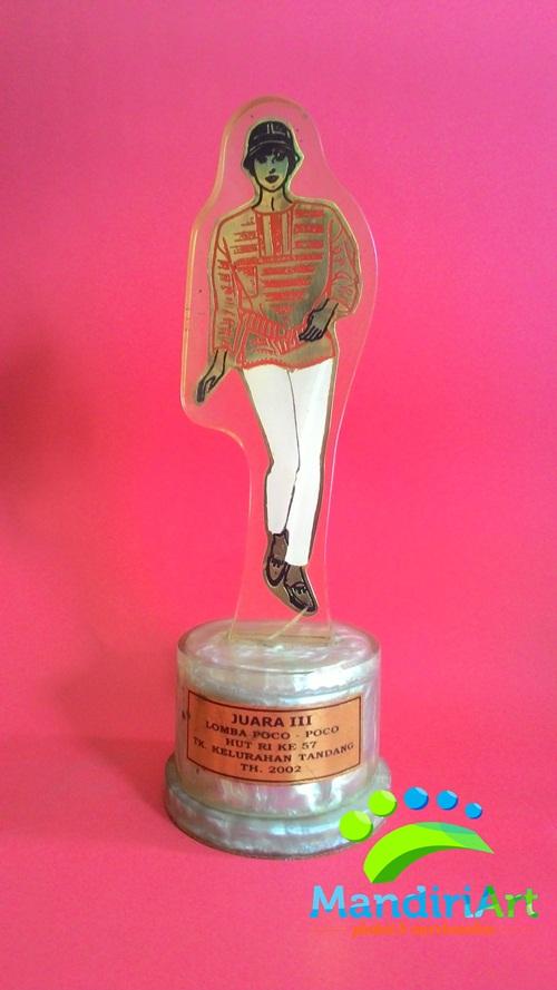 Trophy Akrilik Fiberglass / Plakat Akrilik Fiberglass Dancing