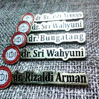 Name Tag Kuningan Custom